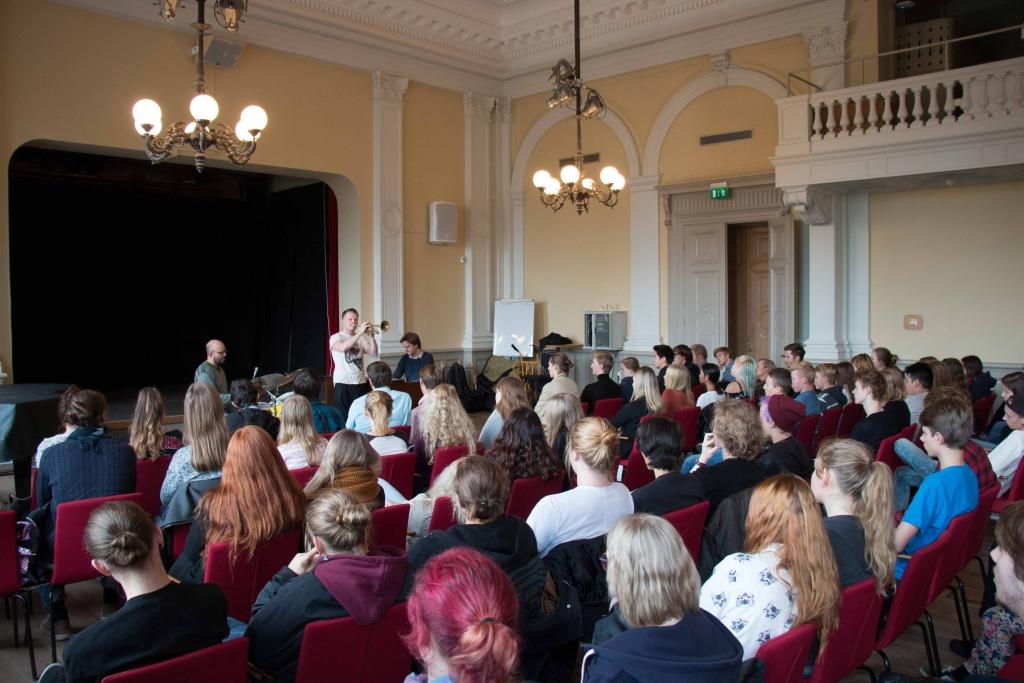 2015-10-21 De Geergymnasiet, Norrköping