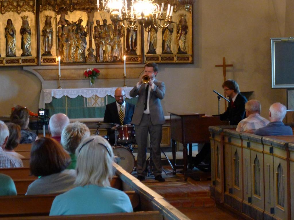 2011-08-04 Kårsta kyrka